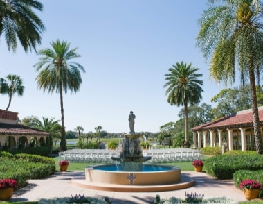 The Spanish fountain at Plaza de la Fontana makes this the perfect garden wedding ceremony venue